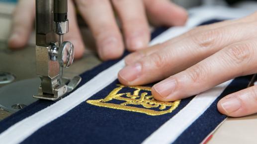 熟練の職人による丁寧な縫製